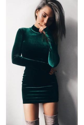 Короткое изумрудное бархатное платье, горловина стойка 1067