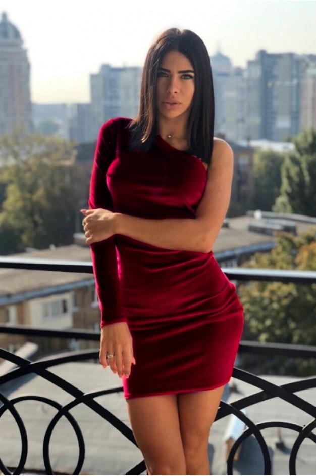 Бордовое бархатное платье на один рукав - 1260